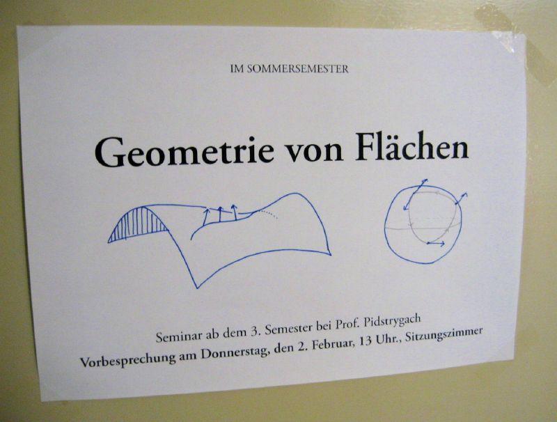 Photo of the announcement for the 'Geometrie von Flächen' seminar