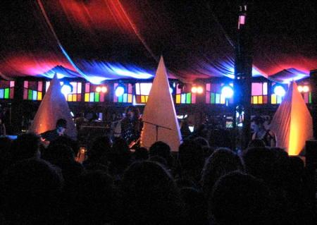 Beach House on stage in the Spiegelzelt at Haldern Pop 2010