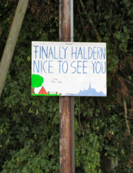 Hand-drawn Finally Haldern! sign.