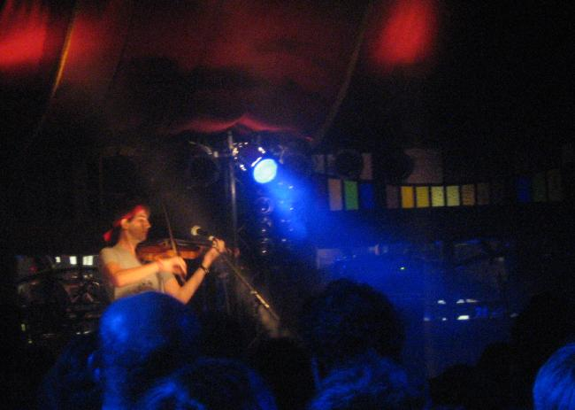Owen Pallett playing in the Spiegelzelt