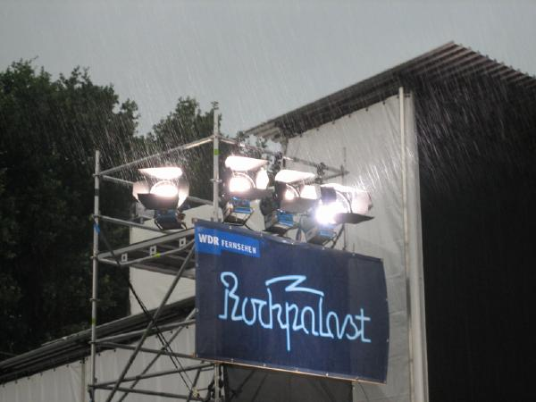 Rockpalast sign in the rain