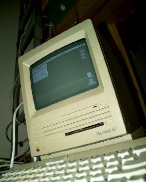 Photo of Nibbler, a Mac SE