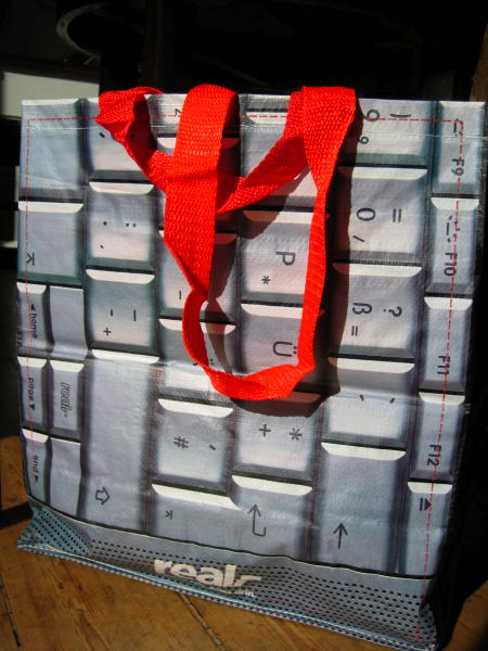 Shopping bag with a Powerbook keyboard
