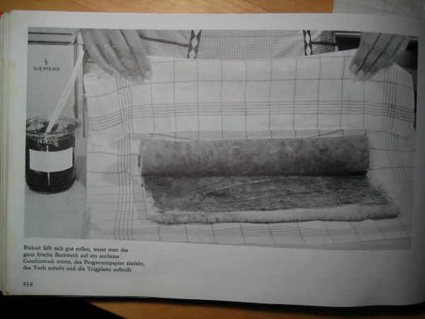 Cookbook image for the Biskuitrolle