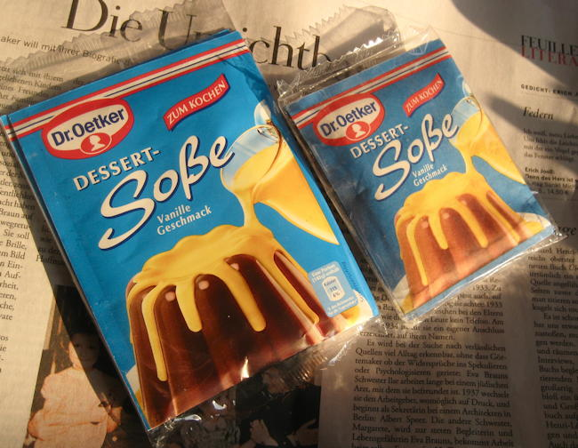 Old and new pack of Dr. Oetker Vanille Sauce