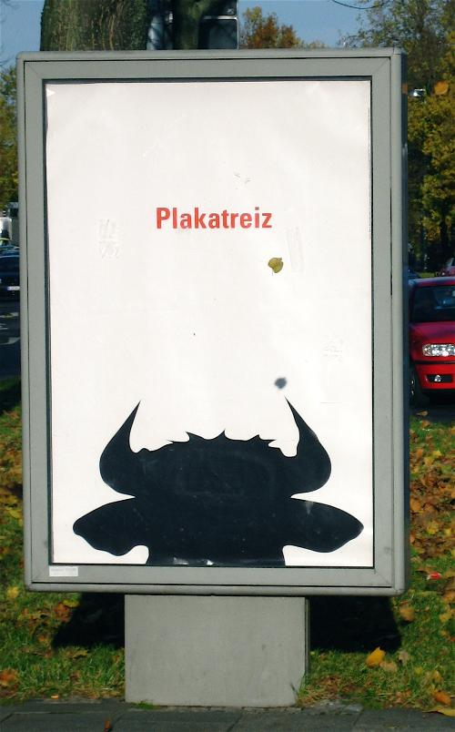 Poster with a bull's head saying 'Plakatreiz'