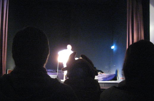 An elk in the audience with Niels Frevert on stage