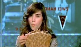 Titzi eating a kebab