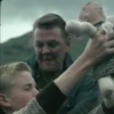 Father and son from Viðrar vel til loftárása video