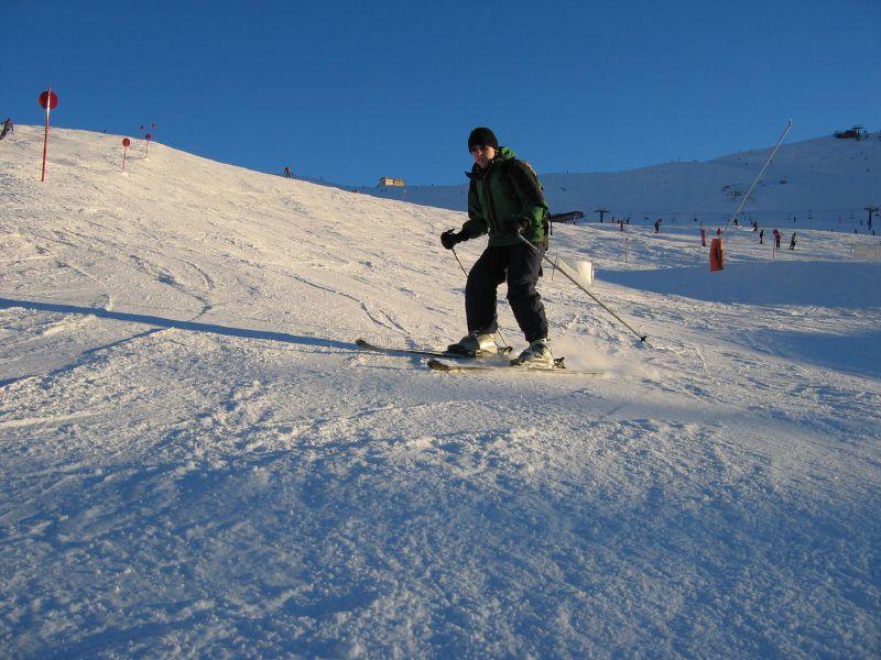Me skiing